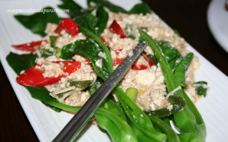 Resep Mudah Membuat Kailan Cah Ayam Tahu - Resep Masakan Dapur Arie