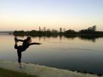 Melakukan Yoga