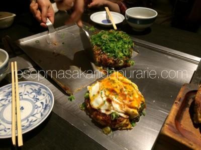 Okonimiyaki omelete ala jepang