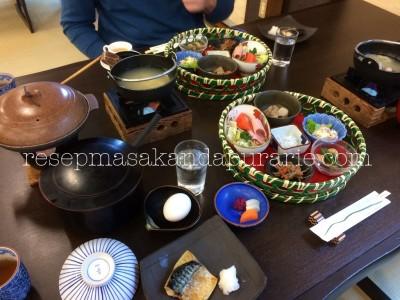 Makanan khas Jepang - Breakfast at Mount View Hakone Ryokan